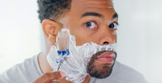 how to shave your face without getting a rash